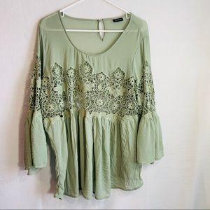 Torrid lace middle blouse